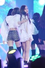 Blackpink-Lisa-and-Rose-at-Gayo-Daejun-2017-5