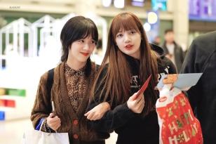 Blackpink Jisoo Lisa Incheon Airport photos