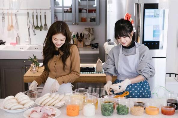 Blackpink-House-Jennie-Jisoo-3