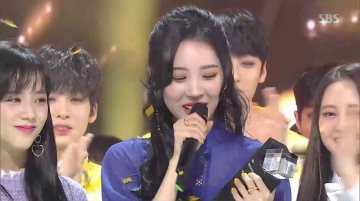 Blackpink-Jisoo-and-Sunmi-Inkigayo-4