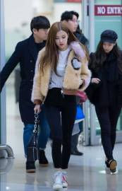 Blackpink Rose Winter Fashion Airport