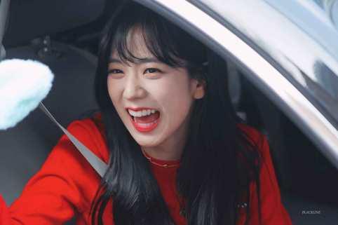 Blackpink-Jisoo-Leaving-Inkigayo-2018-4