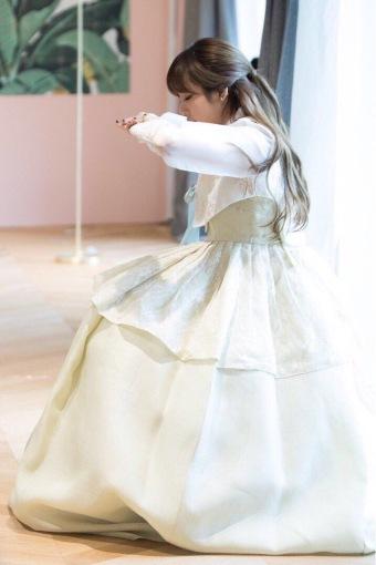 Blackpink Lisa wearing hanbok 2018 3