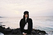 Blackpink-Jennie-Instagram-Photo-2018-Jeju-Island-beach